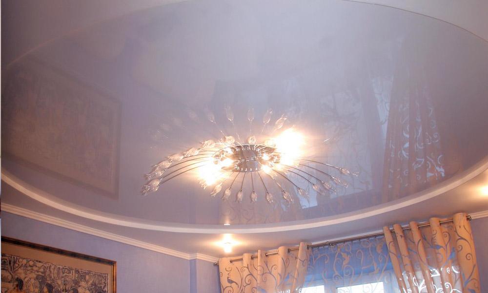 Потолок в зале фото
